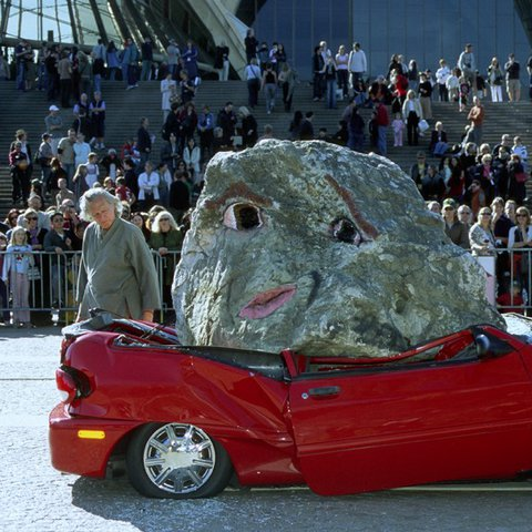 Jimmie Durham, Still life with stone and car, 2004